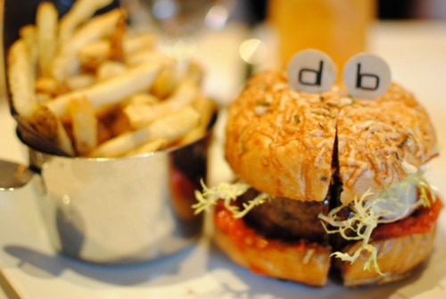 burger1 500x335 Daniel Boulud Brasserie   7/4/10