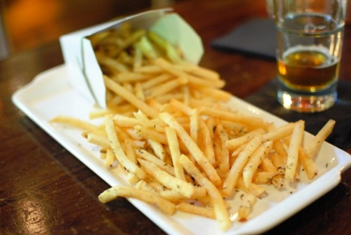 fries 500x335 25 Degees & Library Bar (Los Angeles, CA)