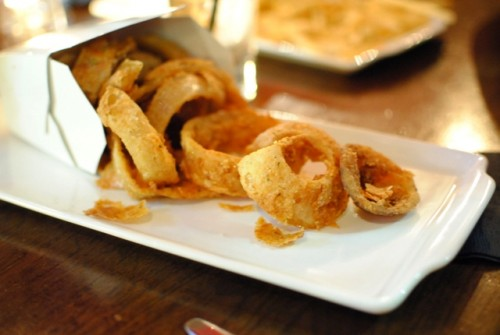 onion rings 500x335 25 Degees & Library Bar (Los Angeles, CA)