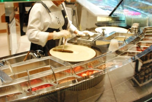 crepe making 500x335 Jean Philippe Patisserie (Las Vegas, NV)