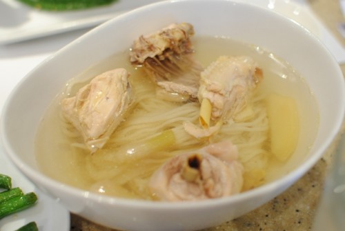 chicken noodle soup 500x335 Din Tai Fung (Arcadia, CA)